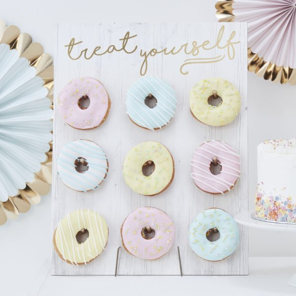PM-375 Treat Yourself Donut Wall